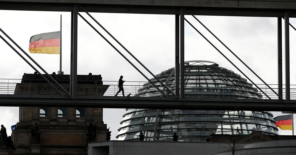 Germany reopens hate speech, gun law debates after shisha bar killings