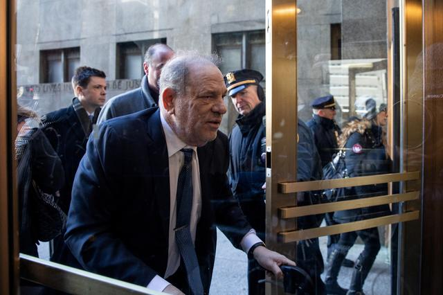 Film producer Harvey Weinstein arrives at New York Criminal Court for his sexual assault trial in the Manhattan borough of New York City, New York, U.S., February 21, 2020. REUTERS/Jeenah Moon