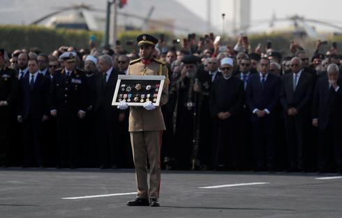 Egypt buries Mubarak, the 'Pharaoh' toppled by Arab Spring