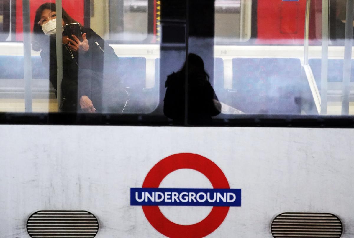 UK's Johnson says coronavirus top priority, as first Briton dies