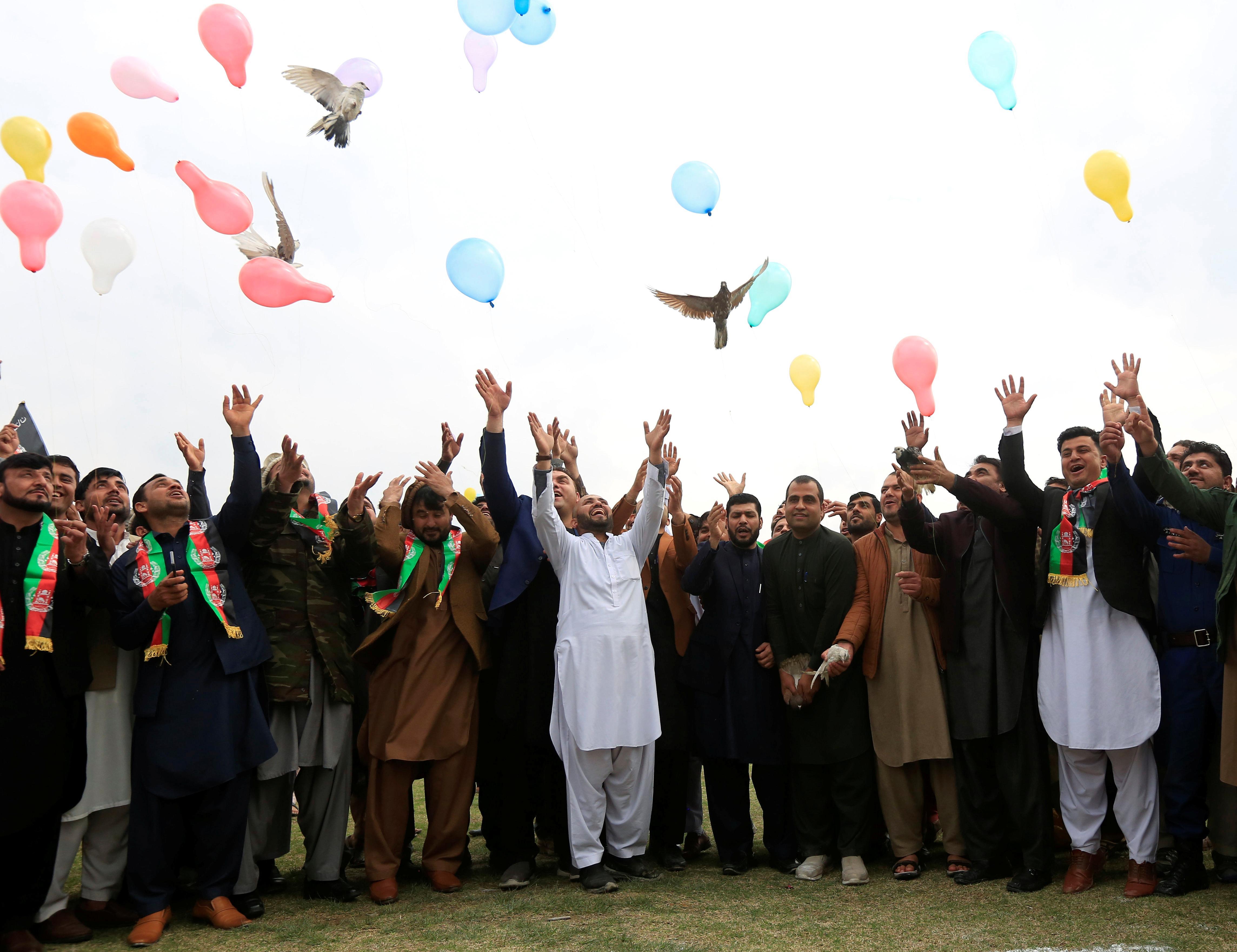 Les Afghans espèrent la paix alors que les États-Unis-Taliban se préparent à un accord de retrait des troupes