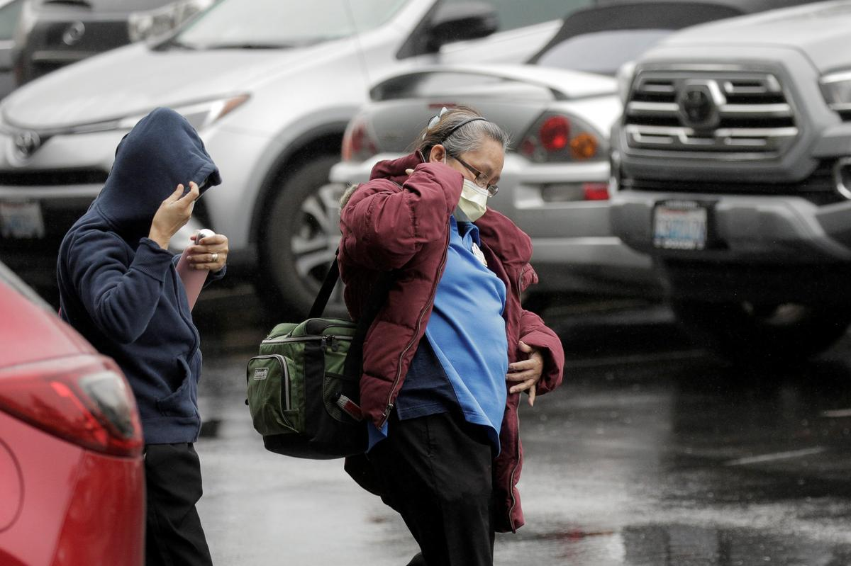 Six dead of coronavirus in Seattle area, U.S. officials scramble to prepare for more cases