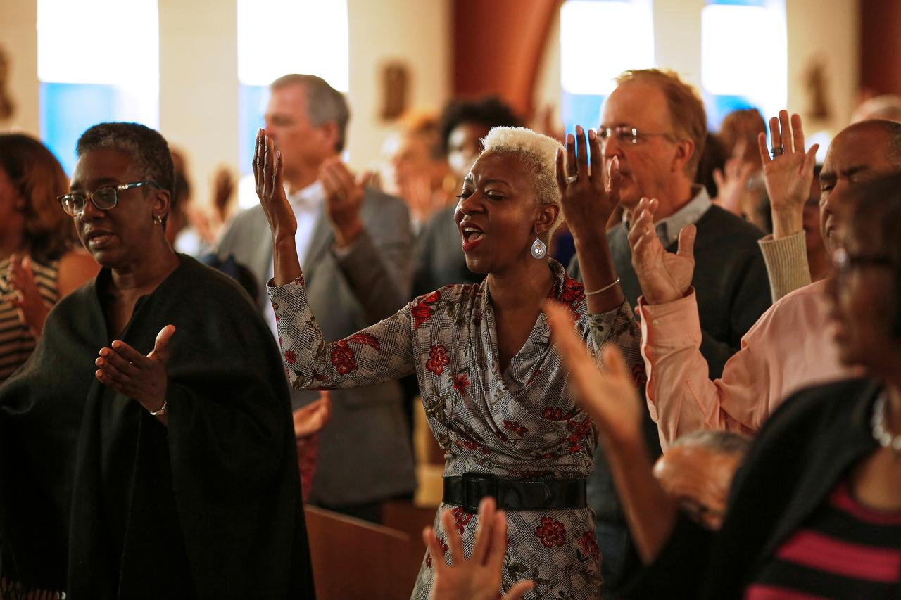 No Hugs, No Handshakes: How U.S. Churches Are Taking New Precautions to Prevent Spread of Coronavirus