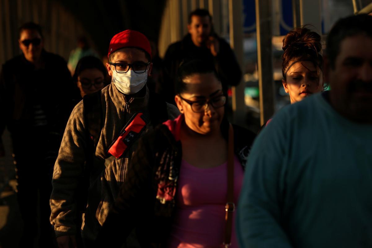 Mexico frets about U.S. coronavirus spread, could tighten border