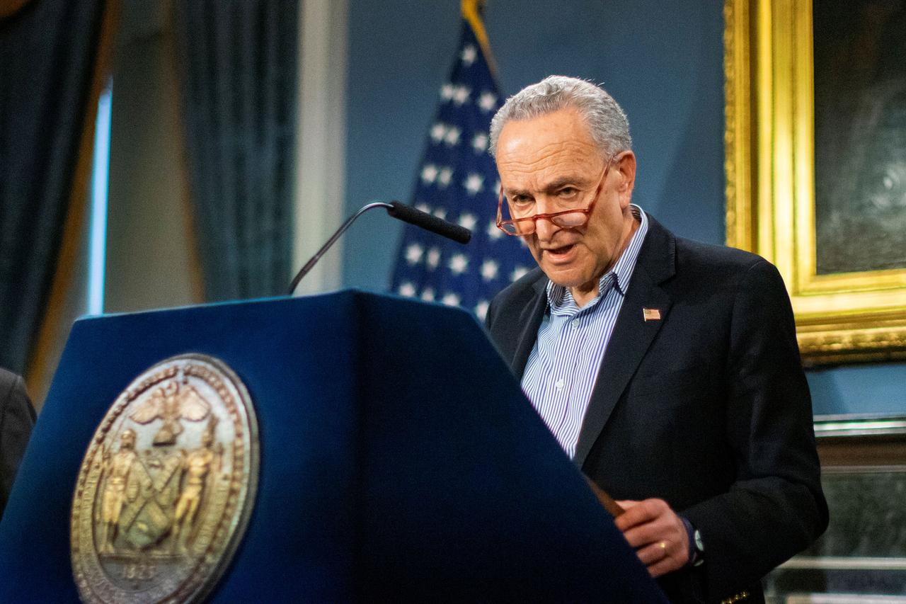 Sen. Chuck Schumer Calls for Up to $25,000 in 'Heroes' Pay for Front-line Coronavirus Workers