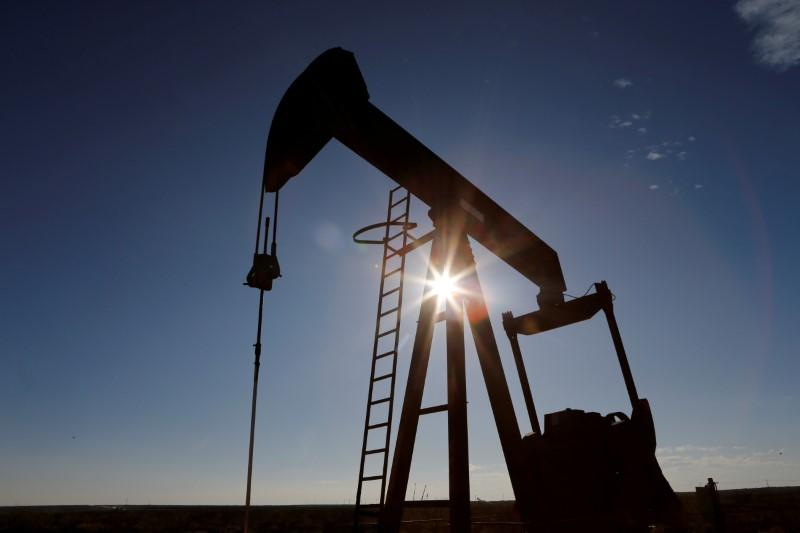 Oil little changed as falling demand offsets hopes of U.S. aid package