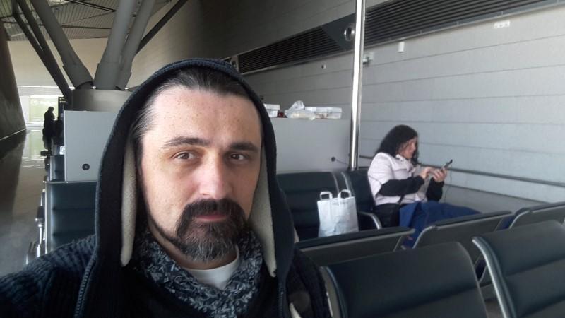 Honeymoon nightmare: Ukrainian stranded at Moscow airport as virus rules kick in