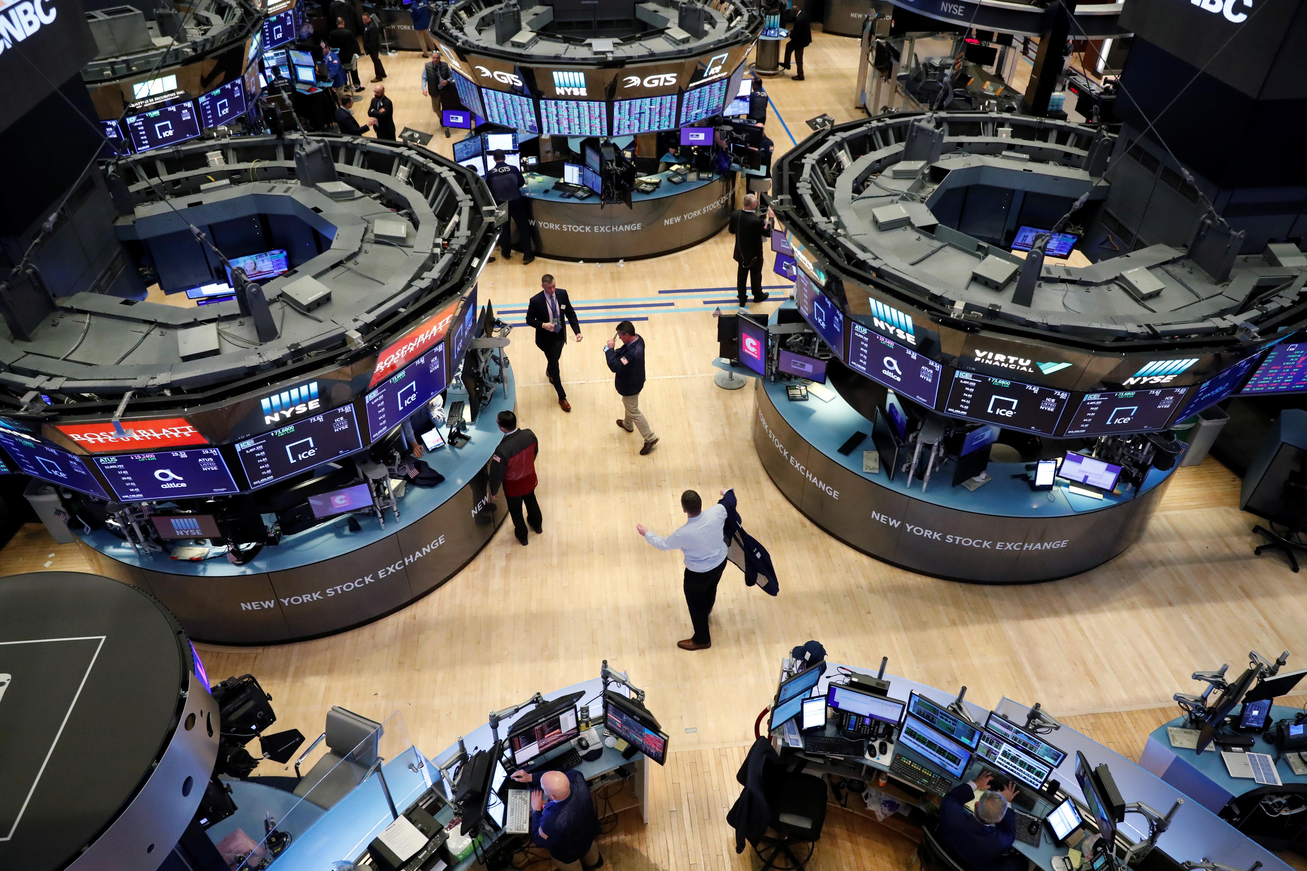 U . S . stocks seesaw as vote awaited on stimulus deal