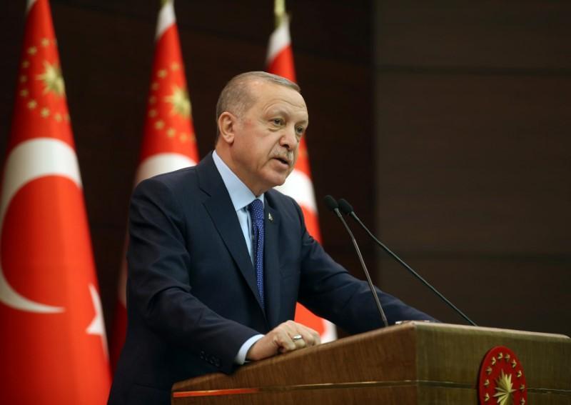 Erdogan says Turkey will overcome coronavirus in 2-3 weeks; school closures extended