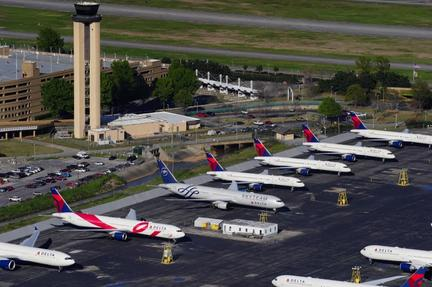World's ailing airlines appeal for aid as U.S. offers $58 billion