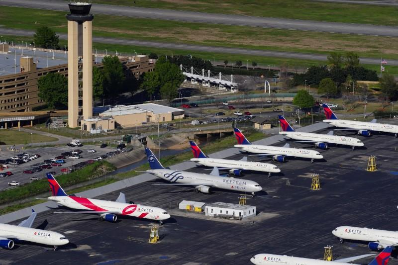 U.S. Senate offers $58 billion aid to airlines as they struggle to stay airborne