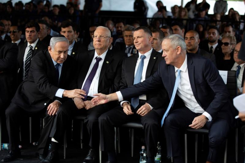Israel's Netanyahu and rival Gantz move closer to unity government