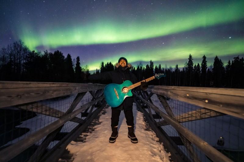 Coronavirus strands Peruvian singer in Finnish Arctic
