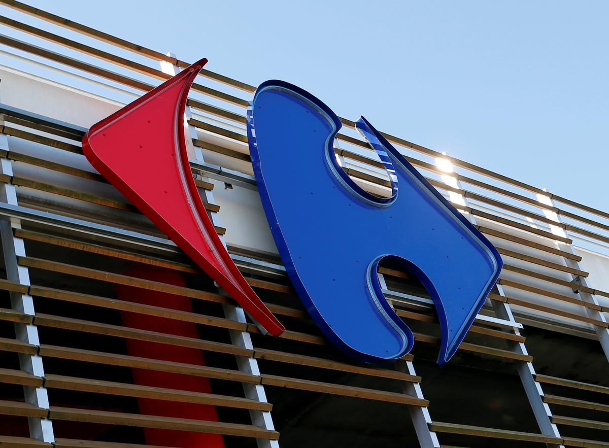 France's Carrefour gives masks after staff walkout over coronavirus