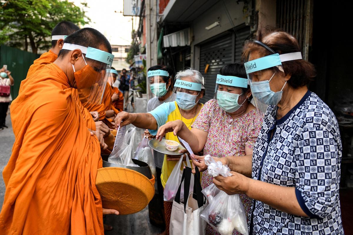 Thailand reports 127 new coronavirus cases, one death
