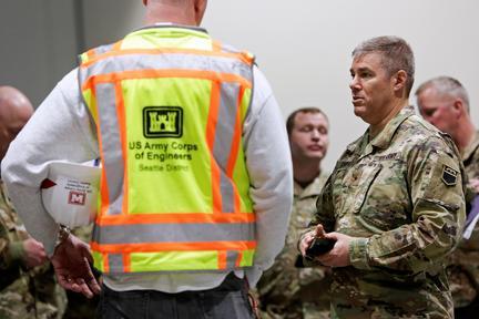 With hospitals under siege, U.S. to build hundreds of temporary coronavirus wards