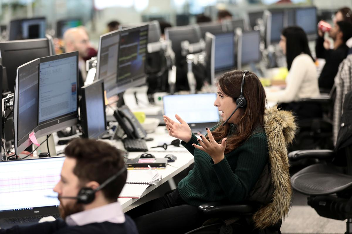 Oil surge drags FTSE 100 out of losses amid virus worries