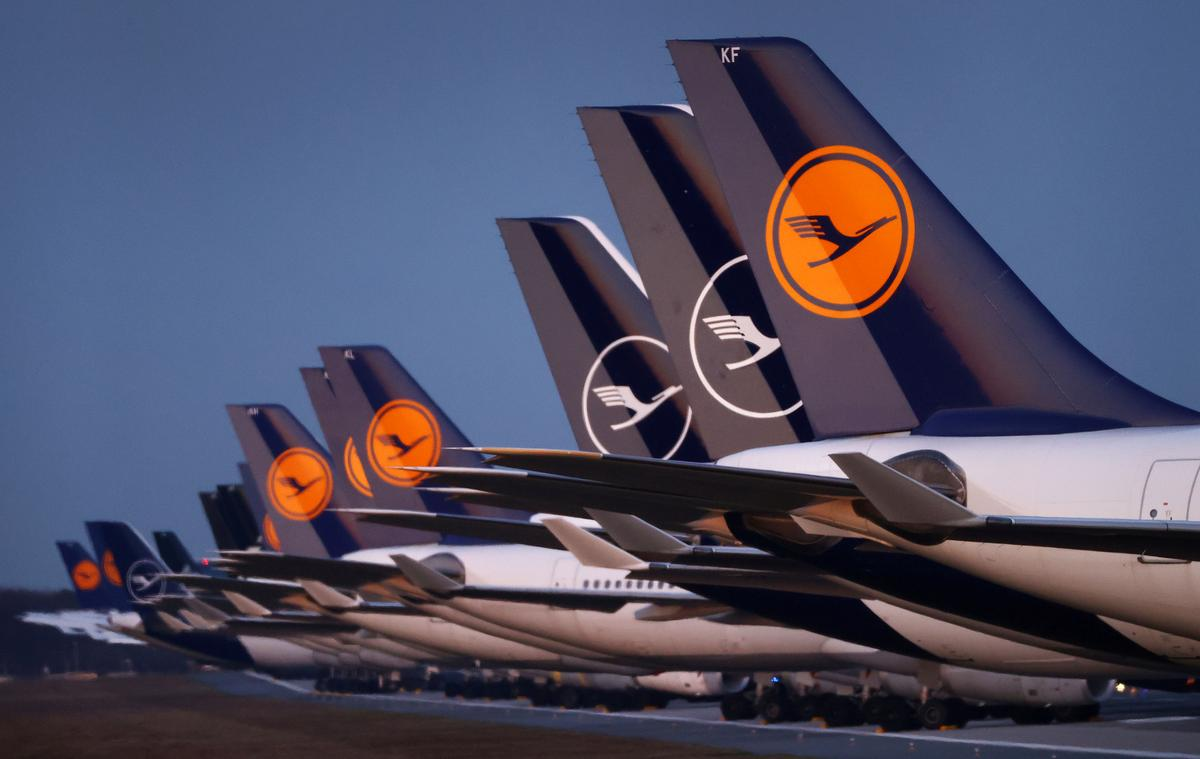 Exclusive: Germany in talks to inject billions into Lufthansa - sources