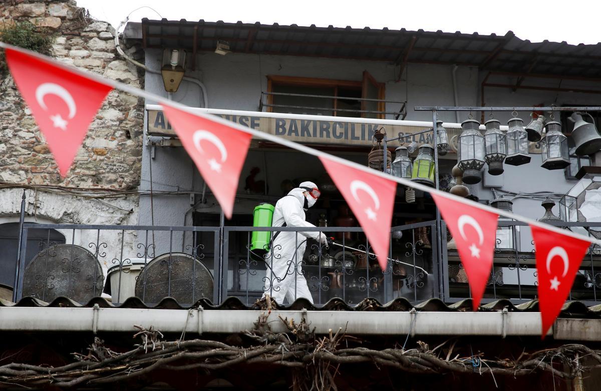 Turkey's coronavirus death toll rises above 500: minister