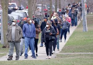 Wisconsinites brave coronavirus at polls