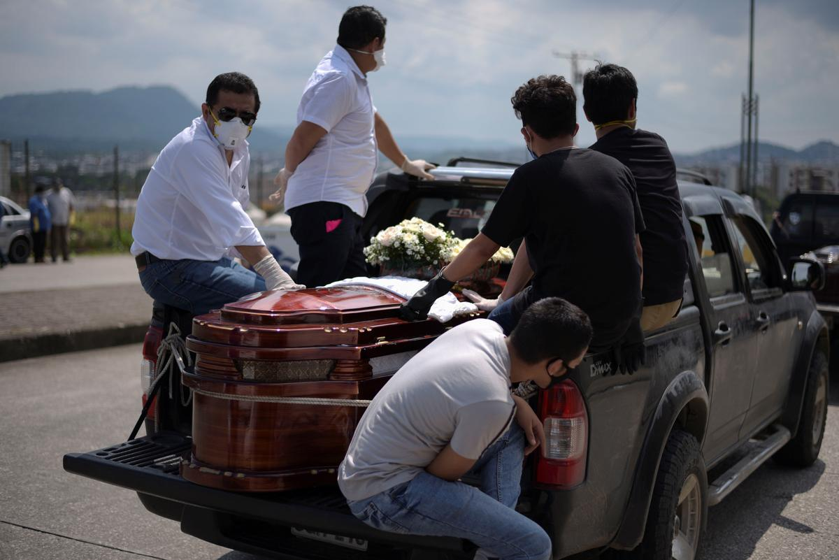 Ecuador builds emergency cemeteries due to coronavirus outbreak