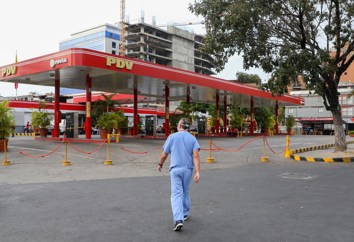 Exclusive: Venezuela gasoline shortages worsen as U.S. tells firms to avoid supply – sources