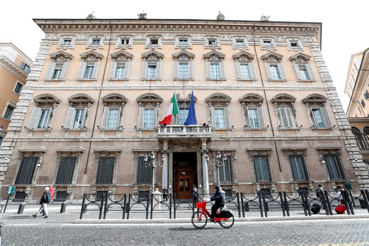 Italy government wins Senate confidence vote on decree to help virus-hit economy