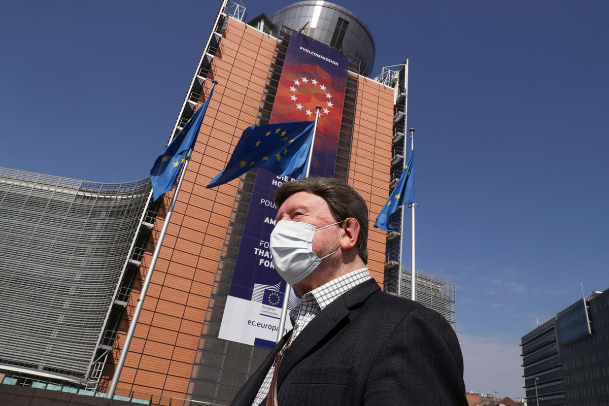 EU ministers agree half a trillion euro coronavirus rescue plan