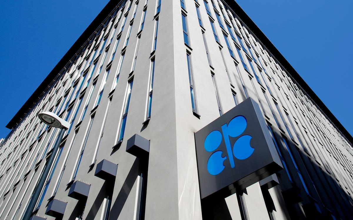 Explainer: Big cuts in oil production from OPEC and others