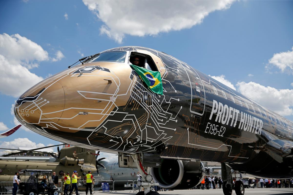 Doubts gather over Boeing-Embraer deal as deadline nears: sources