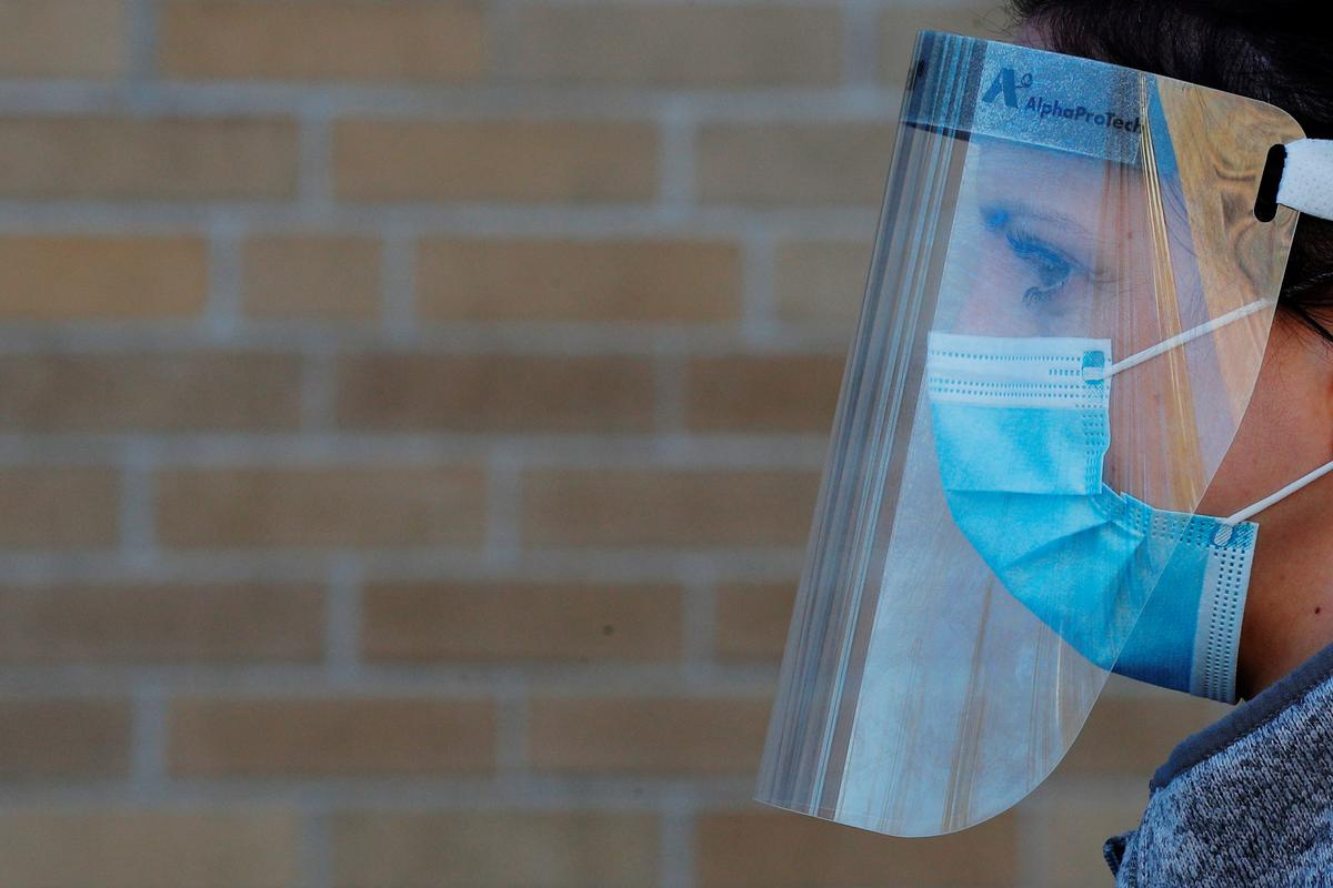 U.S. coronavirus deaths exceed 70,000 as forecasting models predict grim summer