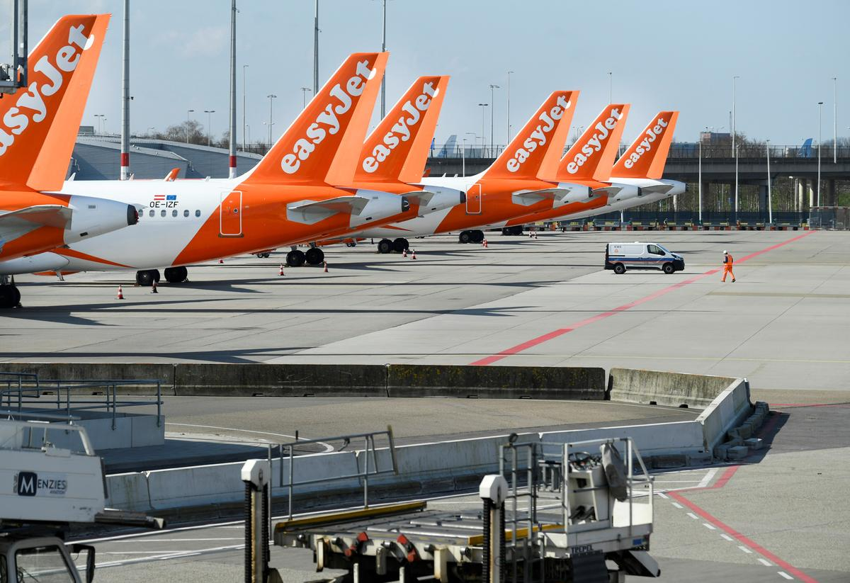 Britain's embattled aviation industry demands alternative to quarantine
