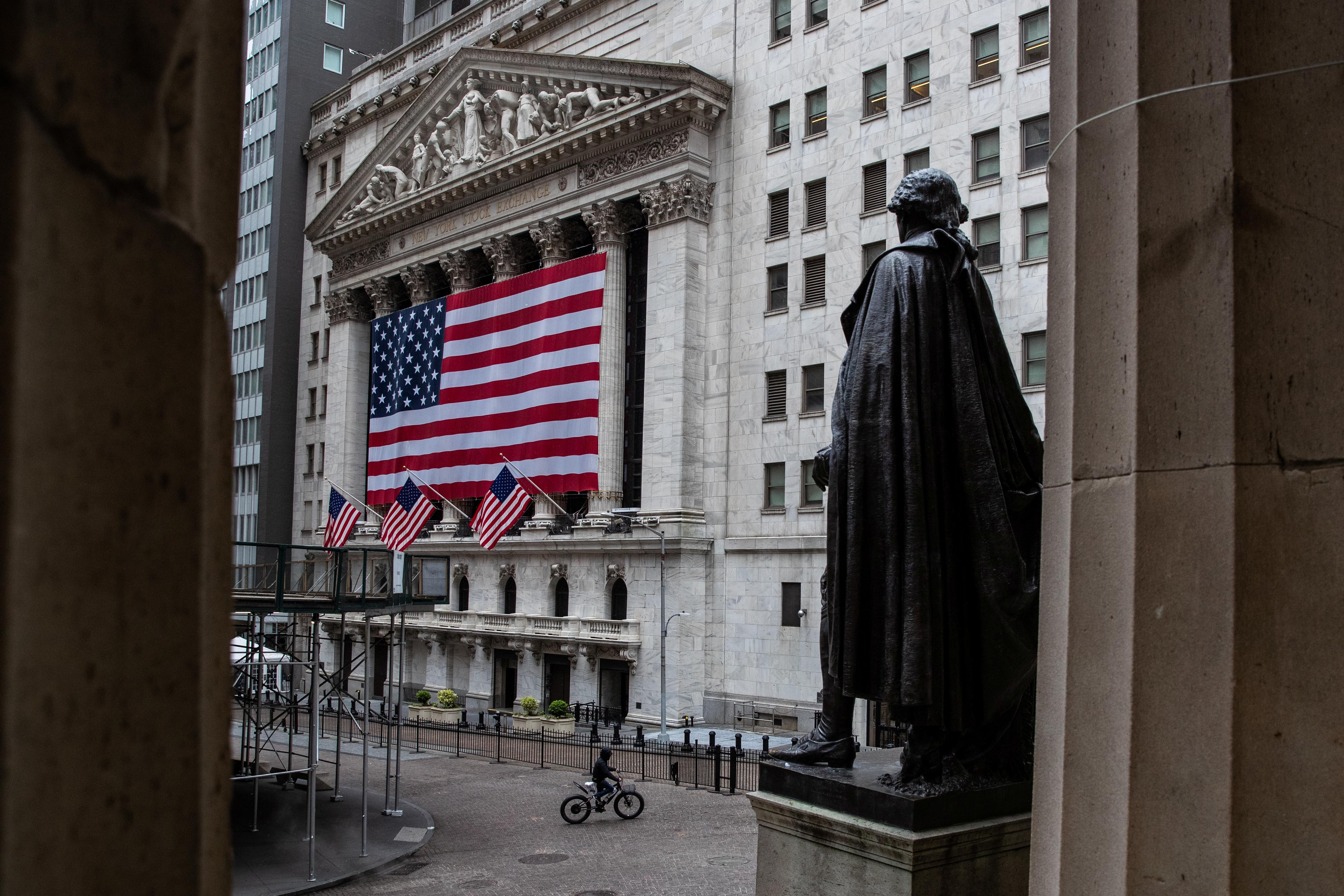 The New York Stock Exchange (NYSE) is seen in the financial district of lower Manhattan during the outbreak of the coronavirus disease (COVID-19) in New York City, U.S., April 26, 2020. Jeenah Moon