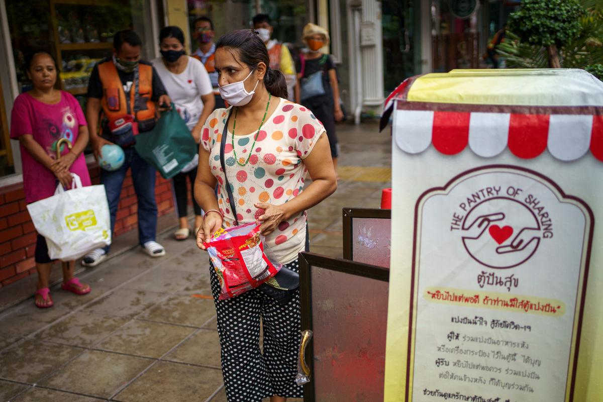 Thailand reports no new coronavirus cases for first time since March 9