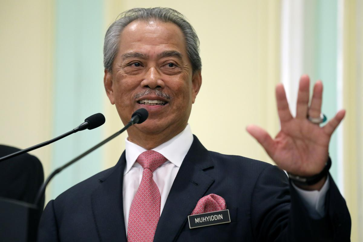 Malaysian PM delays confidence vote citing virus battle, Mahathir cries foul