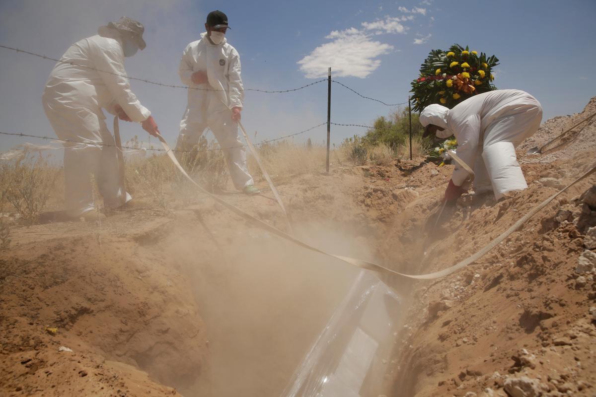 Mexico coronavirus cases hit new daily record of 2,713