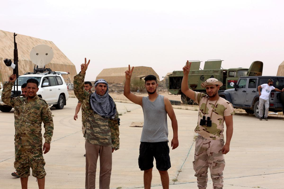 Libya frontline pullback puts eastern offensive in question