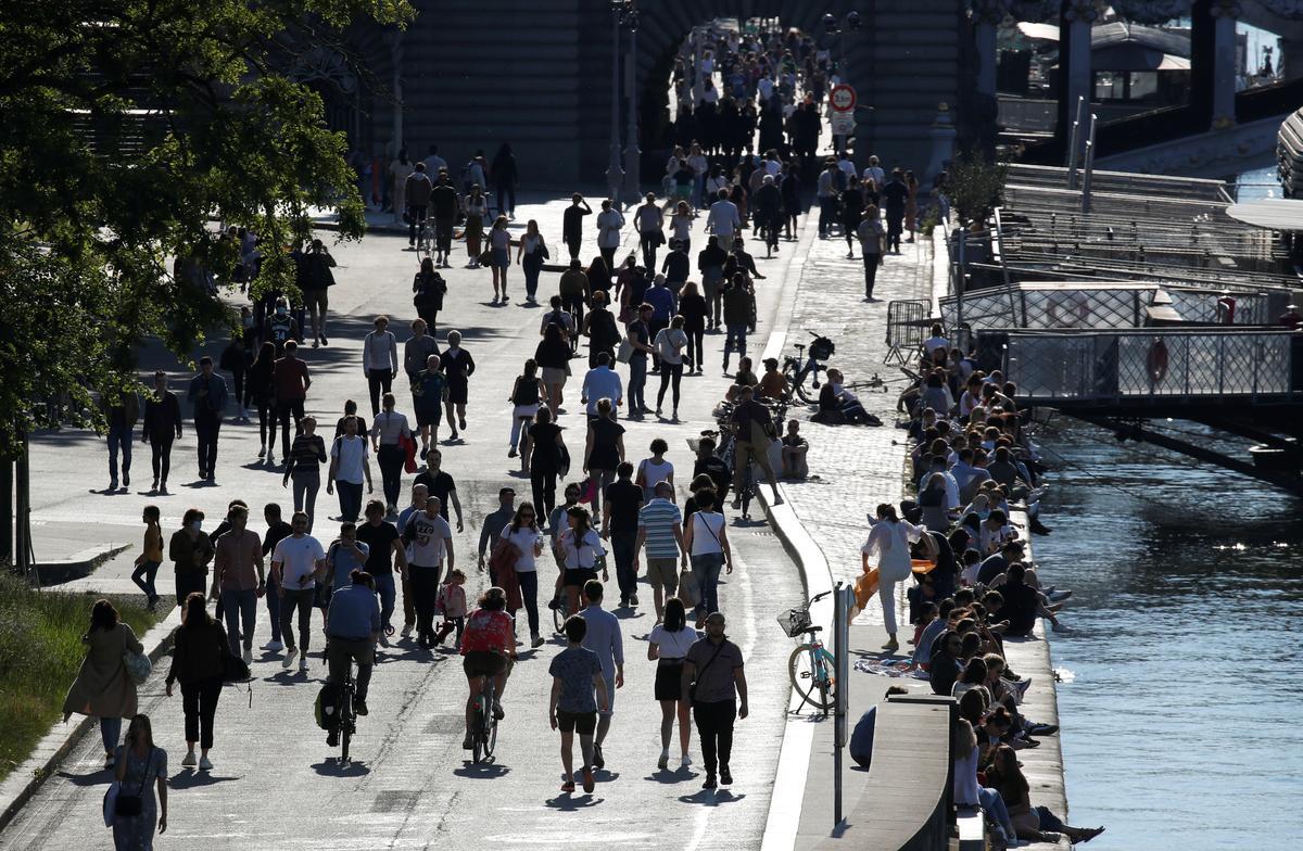 France's coronavirus deaths on the rise again, at 28,132