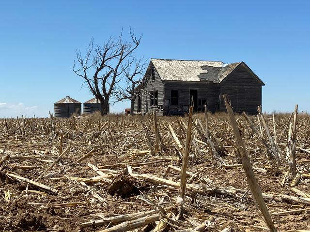 An abandoned homestead on the plains is seen in a county that suffers one of the worst coronavirus disease (COVID-19) outbreaks in the country, in Guymon, Oklahoma, U.S., May 14, 2020. Picture taken May 14, 2020. REUTERS/Andrew Hay