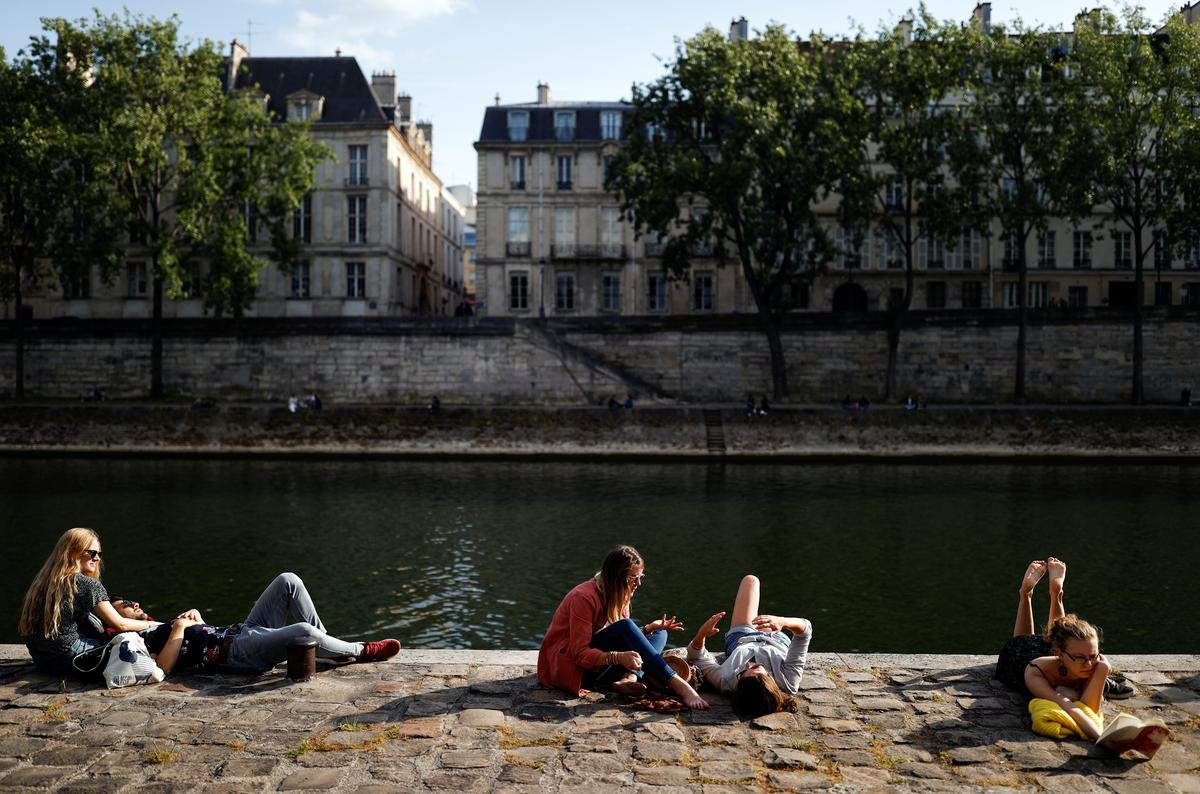 France has lowest daily rise in new coronavirus cases and deaths since lockdown