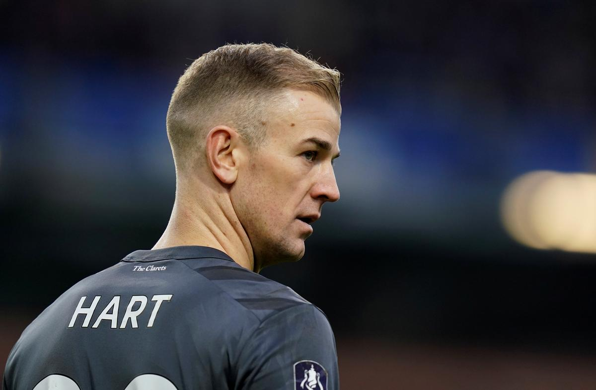 Burnley keeper Hart eyes move abroad for first-team action