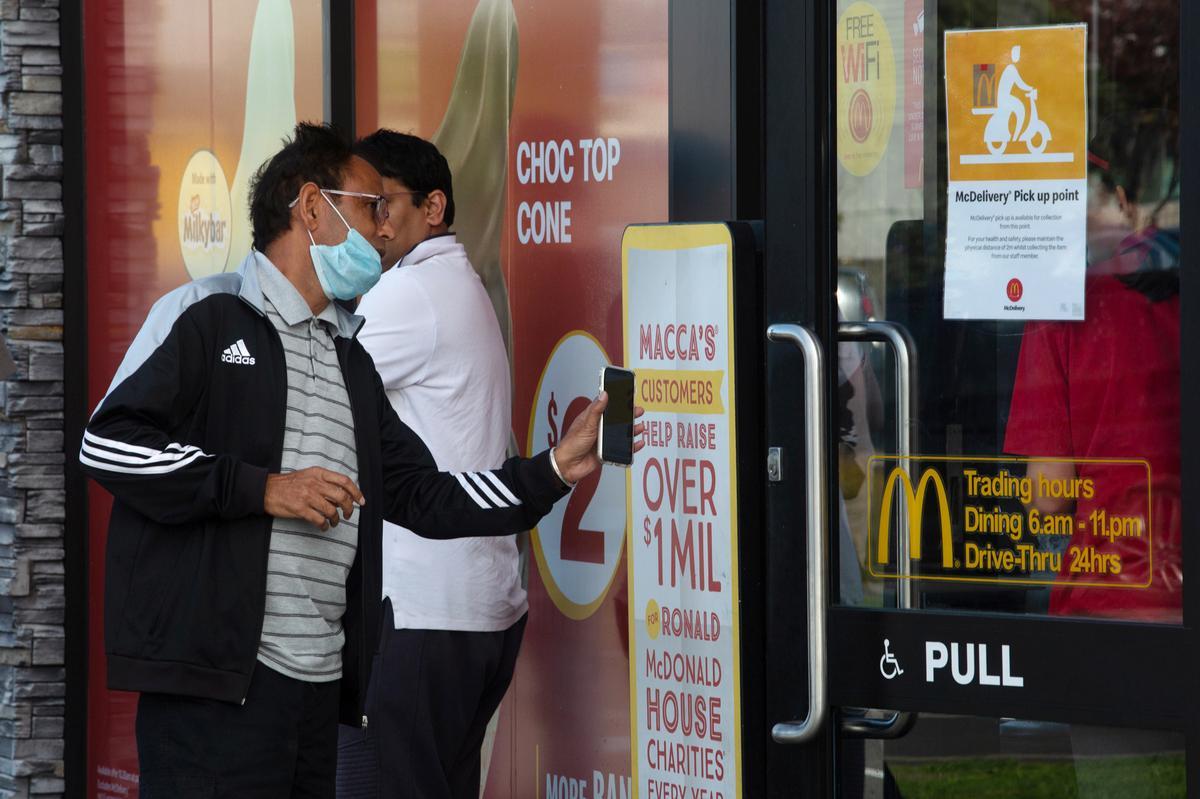 New Zealand eases coronavirus curbs on public gatherings
