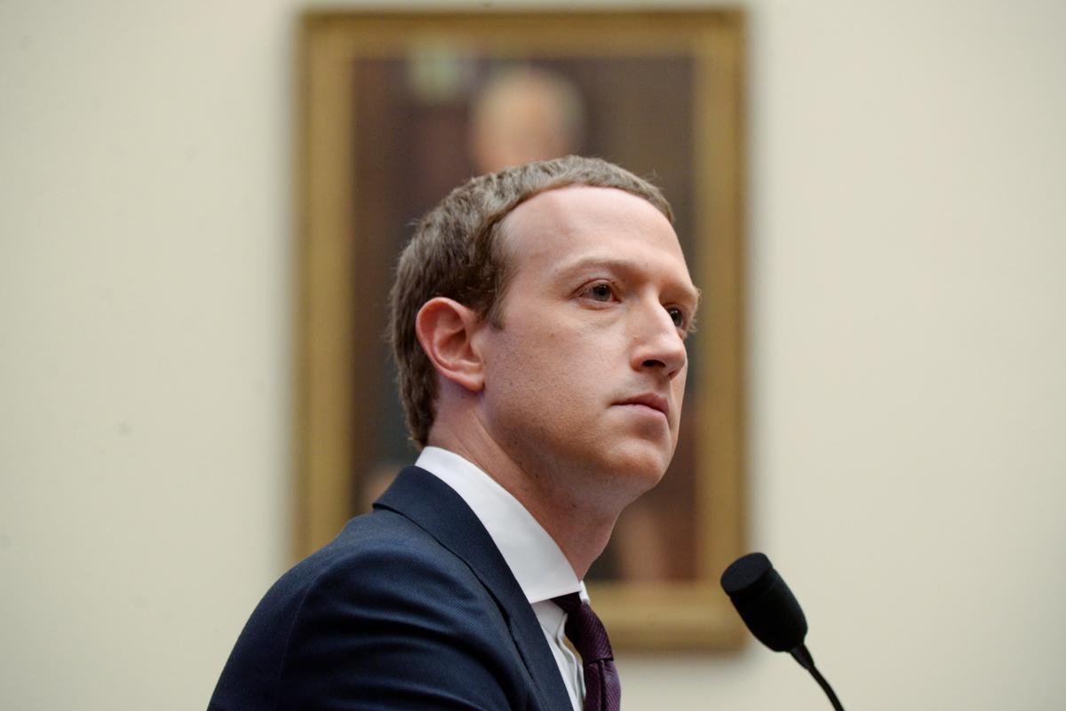 Facebook's Zuckerberg says government censoring social media not the 'right reflex'
