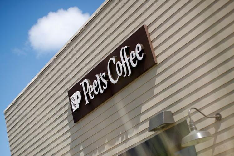 UPDATE 3-Coffee rush for JDE Peet's as fast-tracks $2.9 billion IPO