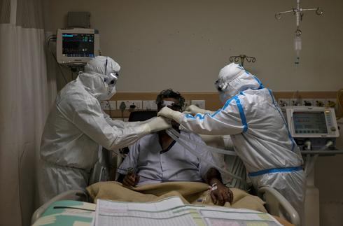 Inside New Delhi hospital treating India's COVID-19 patients