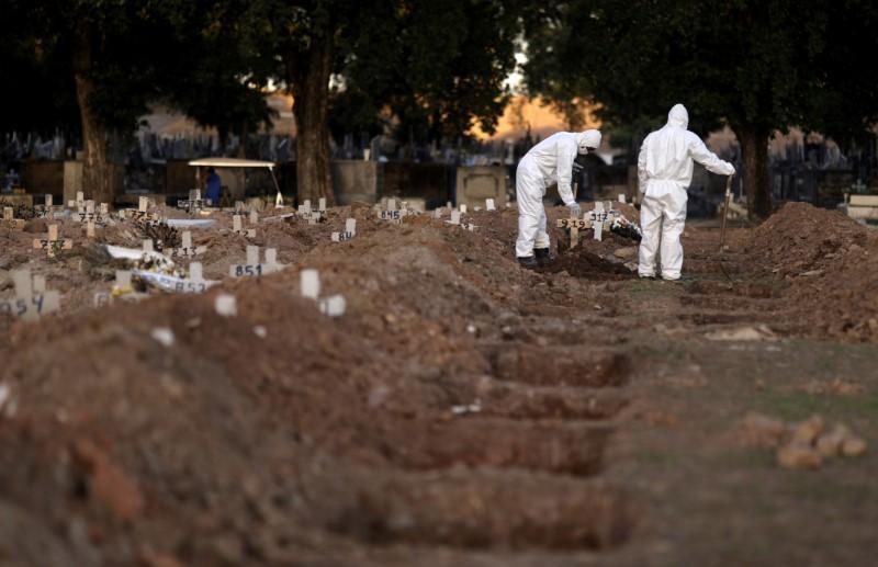 Brazil looks to reopen despite record coronavirus deaths