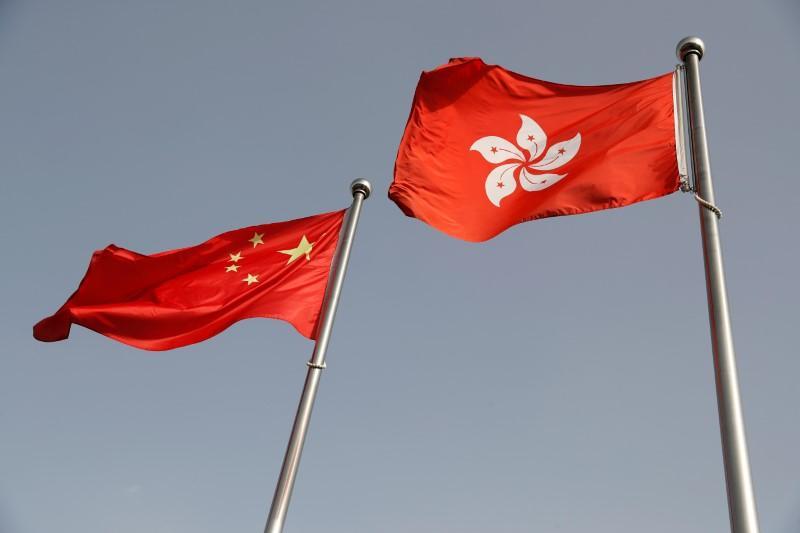 Hong Kong adopte le projet de loi sur l'hymne national chinois au milieu des protestations des législateurs démocrates