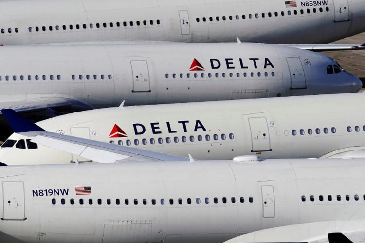 U.S. finalizes order allowing 15 passenger air carriers to suspend service to 75 airports