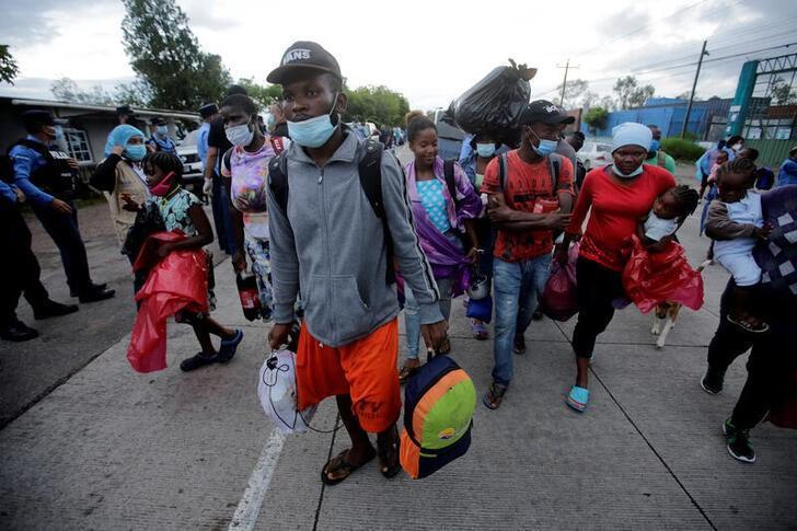 African, Caribbean migrants continue trek towards U.S. border - Reuters