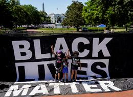 Thousands take to Washington streets to protest police violence